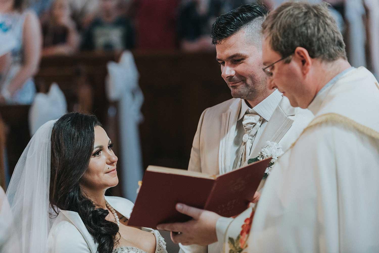 cerkvena-poroka-covid19